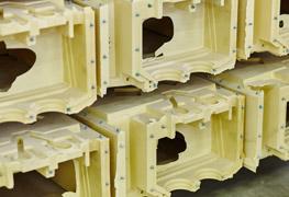 moulding polyurethane components